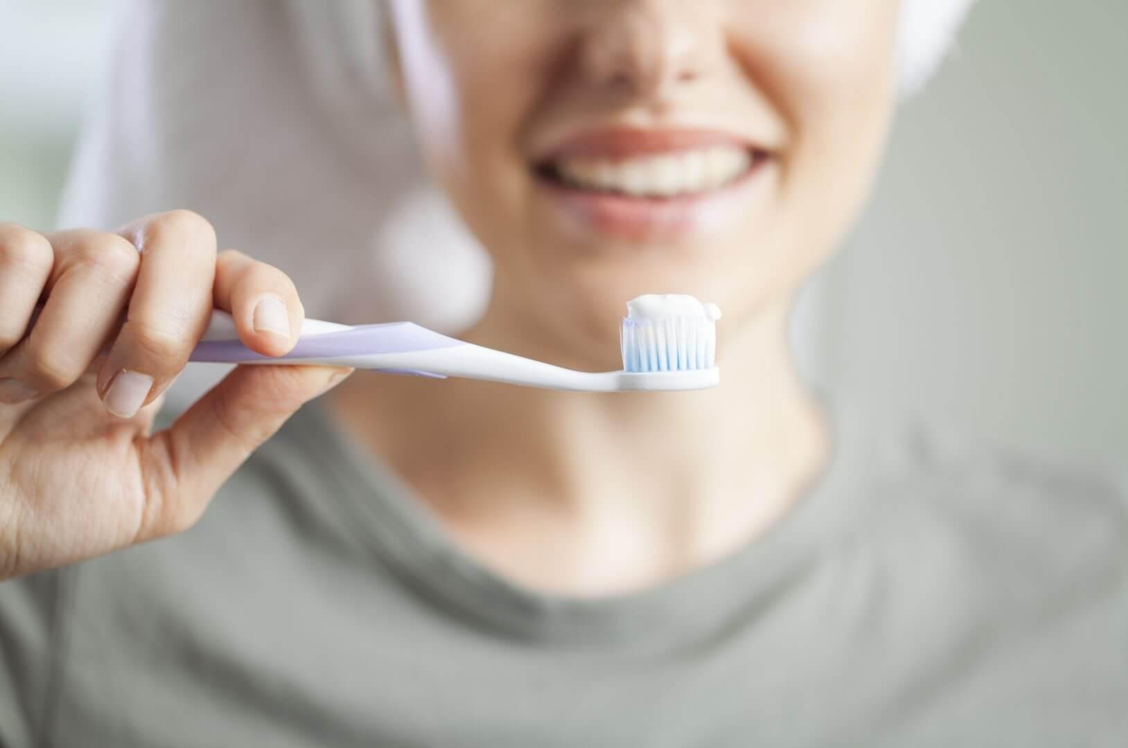 tandpasta mod bumser